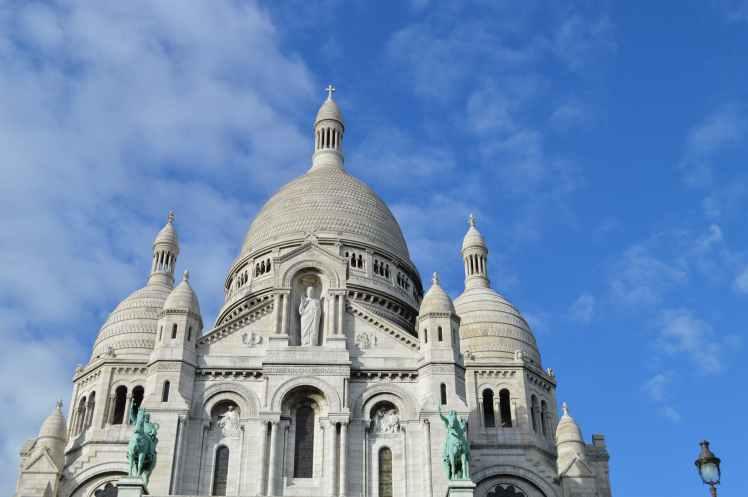 heart paris monument sacred